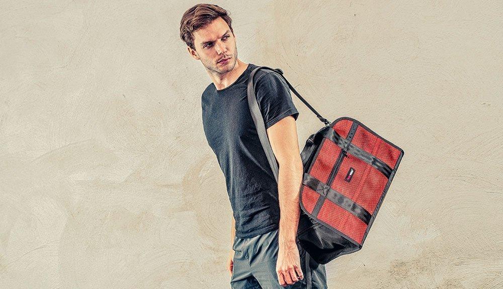 Die designer Sporttasche Harris beim Einsatz im Alltag